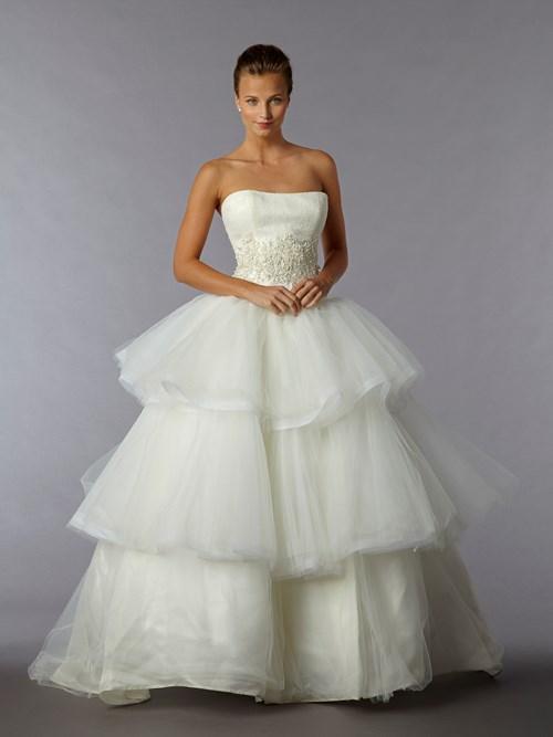 Edgardo-Bonilla Kleinfeld Bridal