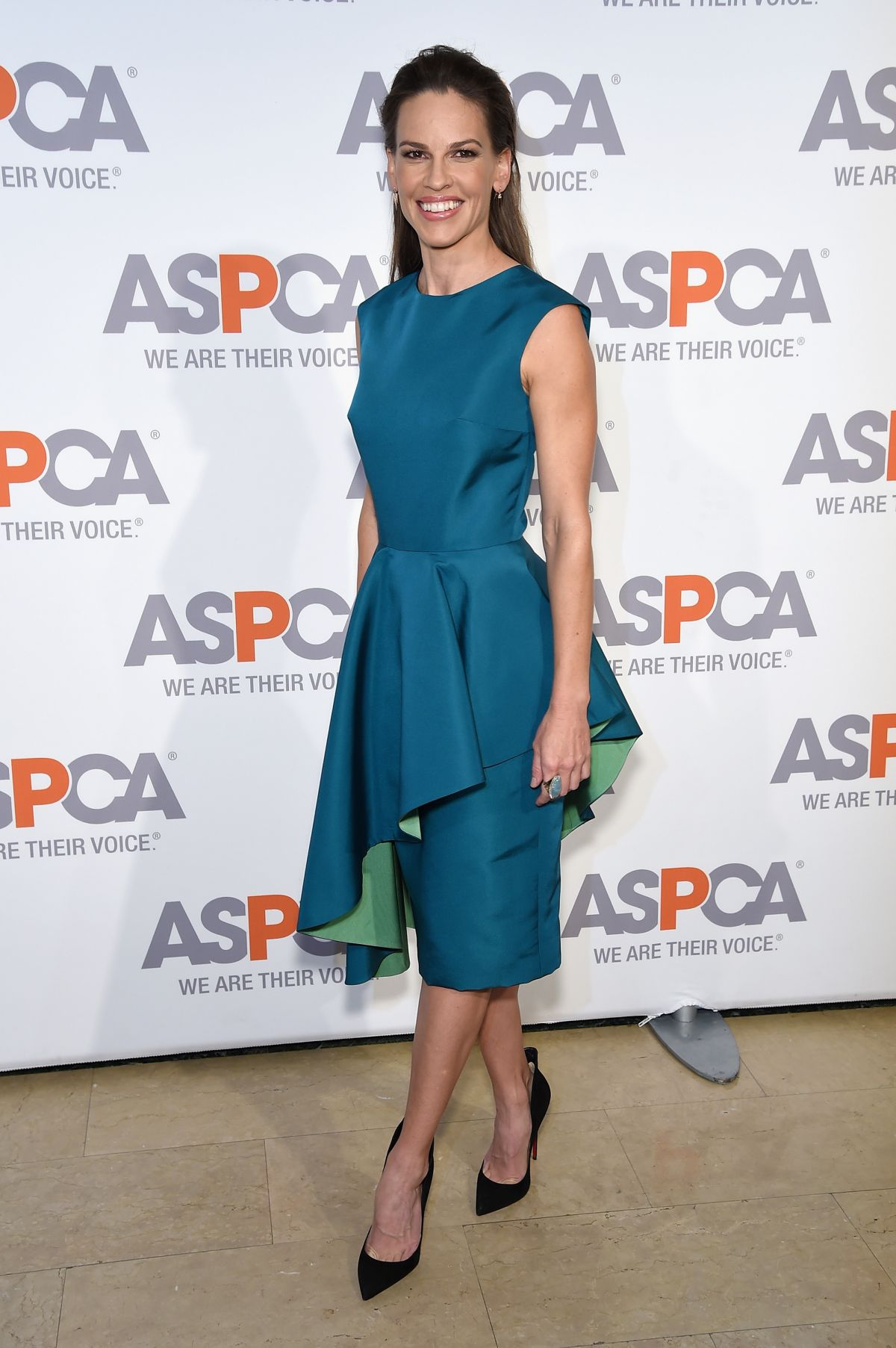 Hilary Swank in Christian Siriano (Getty)